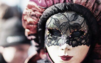 Sopravvivere al gran Carnevale della vita: a ciascuno la sua maschera